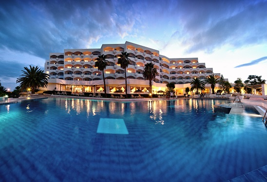 Hotel_club_president_piscine_exterieur45cd09a468cc5c456c147ab3abe7d8aa
