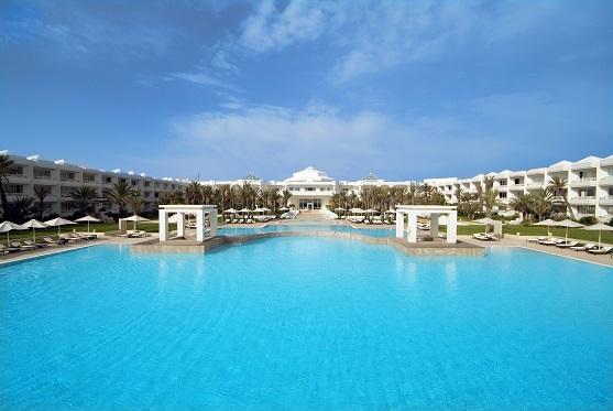 hasdrubal_palace_piscine_exterieur60e60619226e3edc03e0a19a68e35429